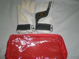 Перчатки вратарские взрослые (размер: 8-9)