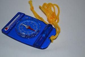 Компас стрелочный, свисток, термометр, пластмасса