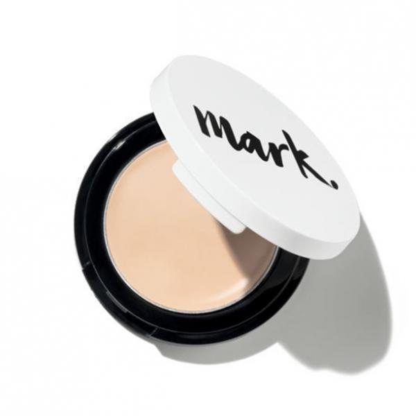 Фото макияж, лицо, тональный крем Компактное маскирующее средство «Идеальный оттенок»