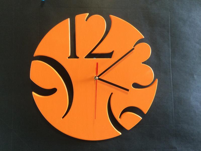 Дизайнерские настенные часы из дерева Loft оранжевый