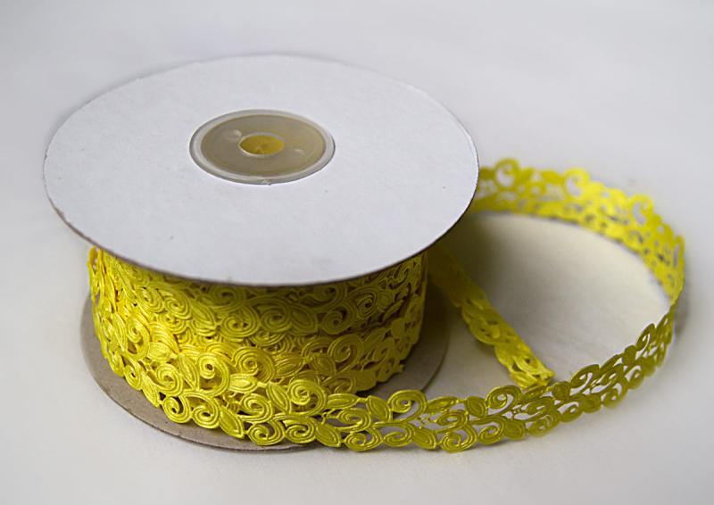 Тесьма декоративная  Вьюнчик ,  ширина  20 мм.   Жёлтого  цвета.