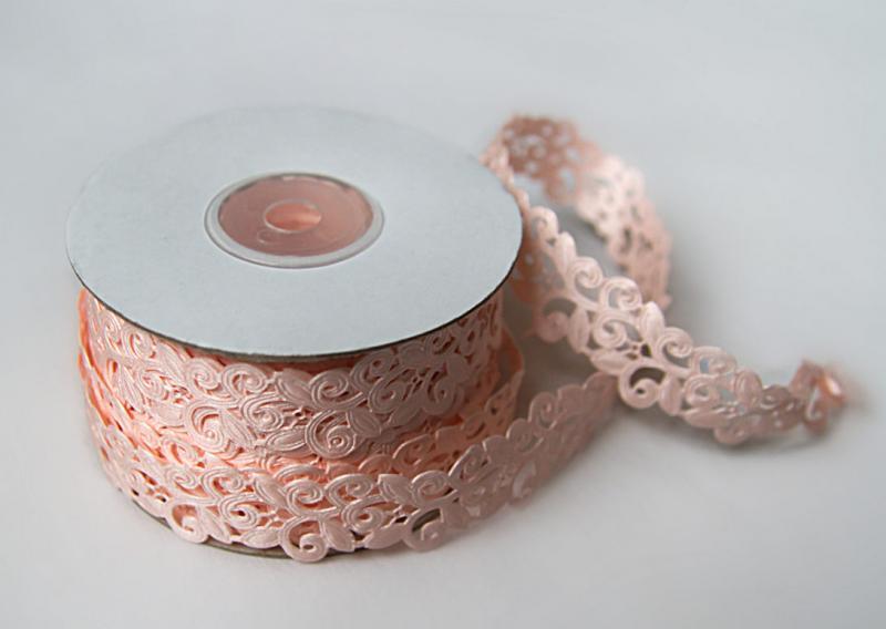 Тесьма декоративная  Вьюнчик  ширина  20 мм.  Розового  цвета. ( в  реальности   более  розовая. )