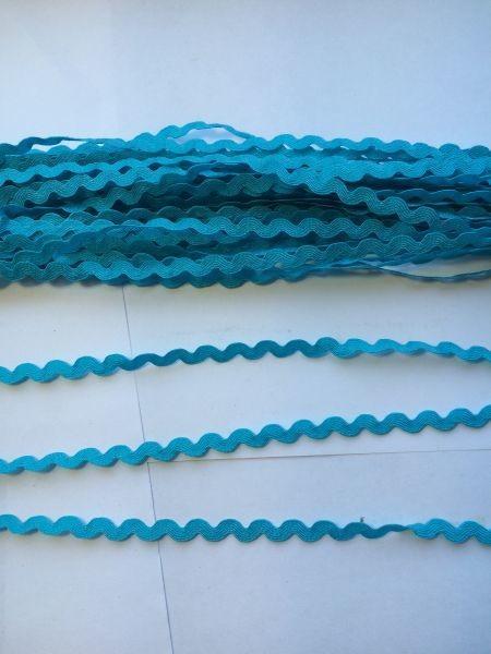 """Тесьма  """" Вьюнчик """"  (  зигзаг )  ширина  0,5 см.   Голубого  цвета."""