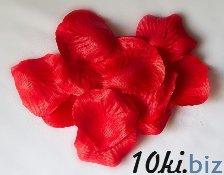 Лепестки  розы  5 см. из  тонкой  прожелатиненой  ткани   Красного  цвета.  Упаковка  100 шт . купить в Чернигове - Искусственные цветы и растения, композиции, топиарии