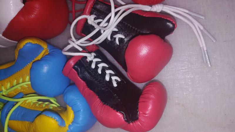 Перчатки боксерские сувенирные кожа