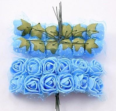 Роза  латексная  2 см ,  Голубого  цвета   с  фатином.  упаковка  12  цветочков .