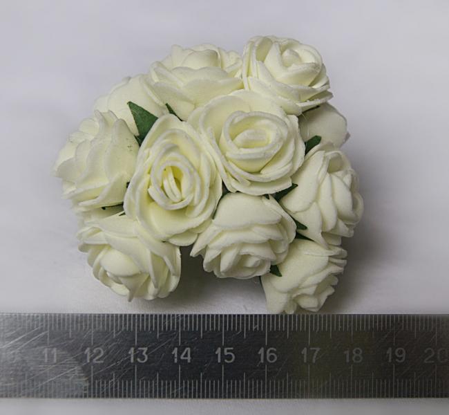 Розочки латексные  2,3 - 2,5 см.  Кремового цвета.  упаковка  12  цветочков .