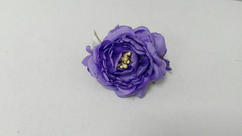 Заколка для волос из фиолетовго пиона