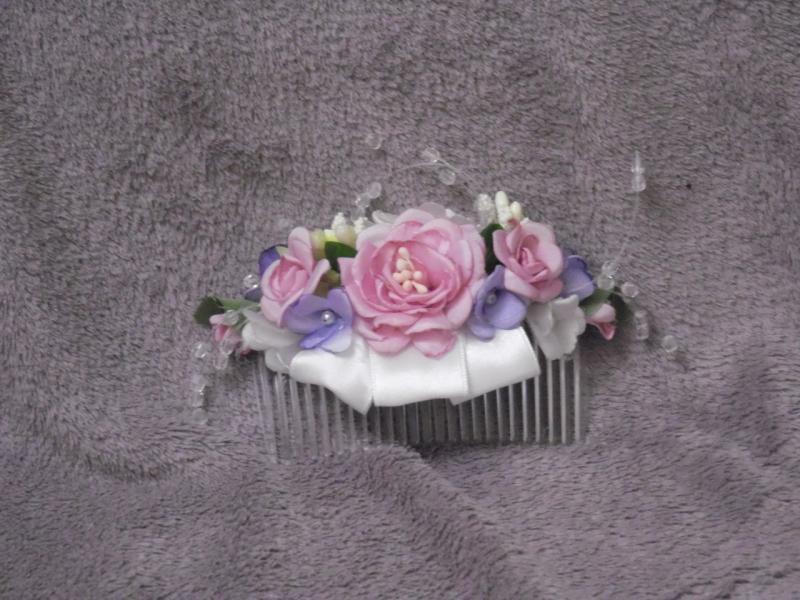 Гребешок в голову из цветов розово-сиреневый