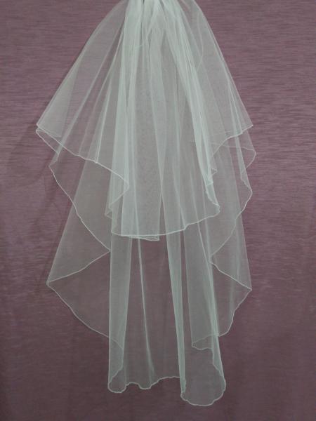 Свадебная фата белая из еврофатина с опековкой