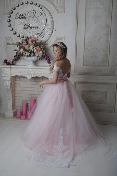 Платье свадебное пудровое с белым пышное