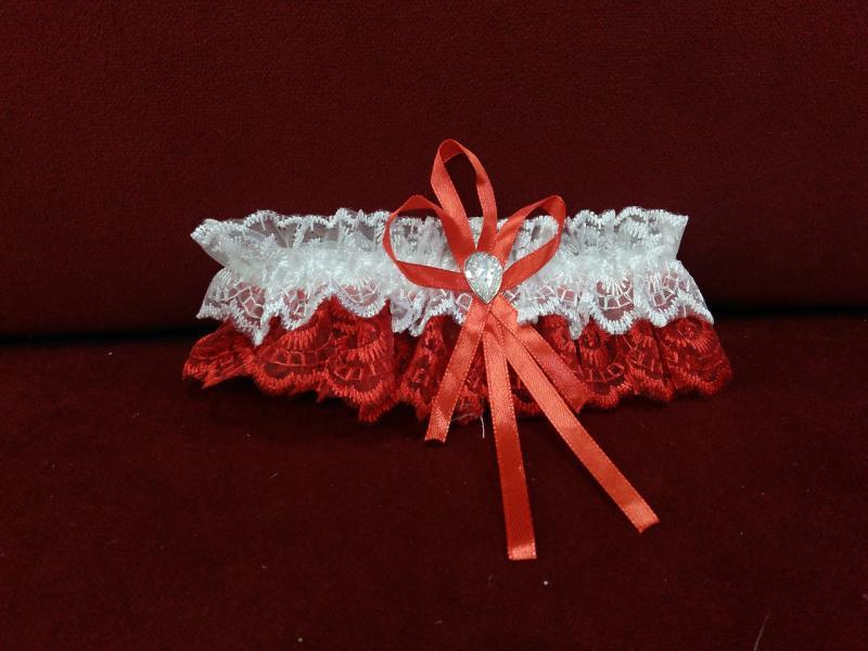 Свадебная подвязка для невесты белая с красным