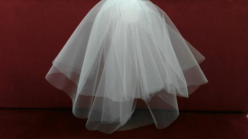 Свадебная фата короткая белая из еврофатина