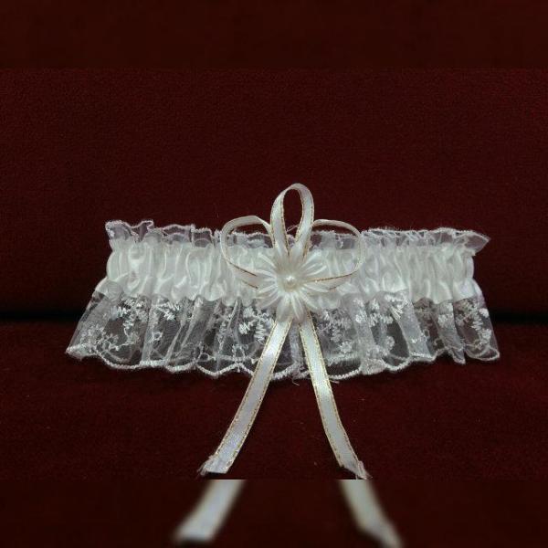 Свадебная подвязка для невесты белая кружевная