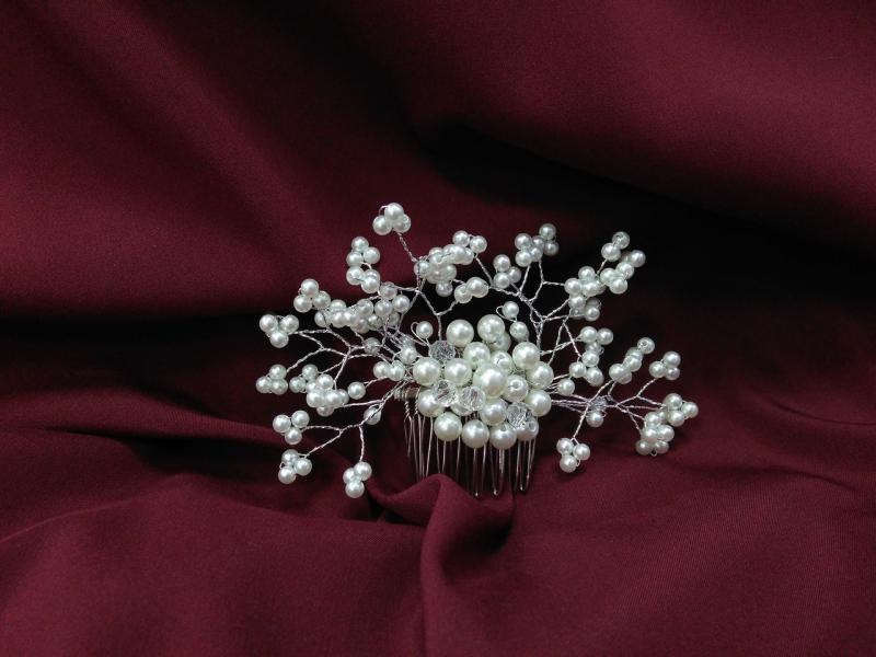 Гребень с хрусталиками и бусинами для свадебной и вечерней прически