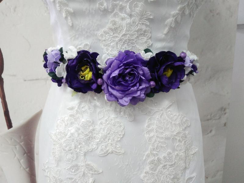 Пояс на ленте с цветами из ткани сиреневый с фиолетовым