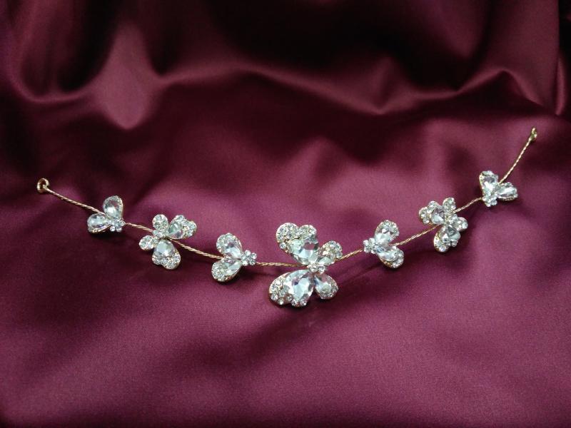 Веточка с камнями в форме бабочек для свадебной и вечерней прически