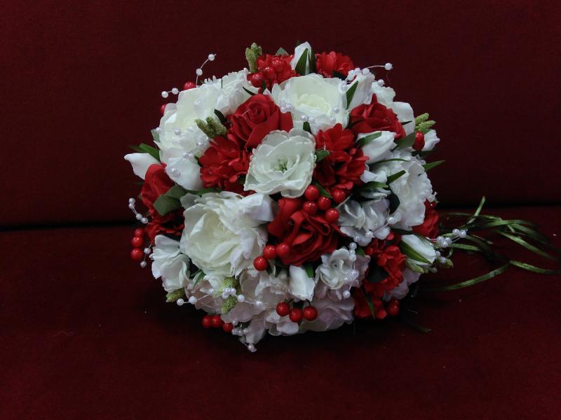 Свадебный букет-дублер айвори с красным