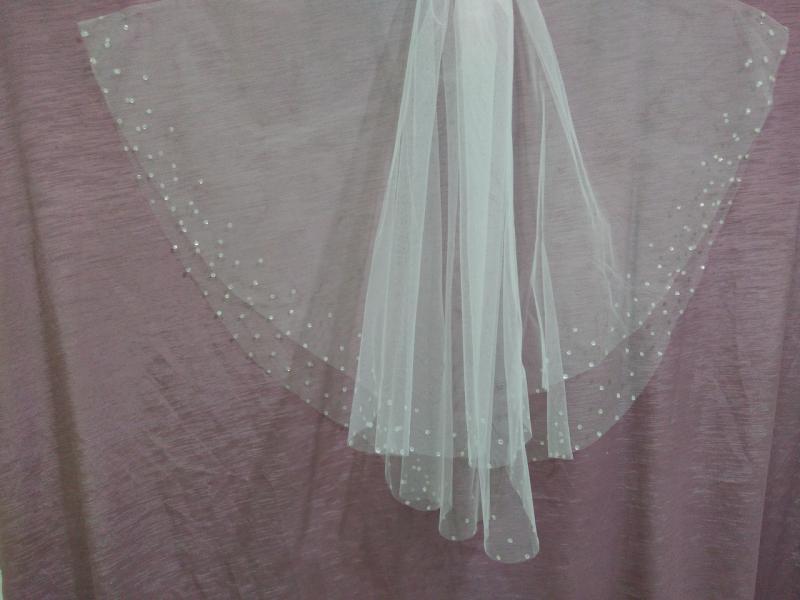 Свадебная фата белая обрезная с паетками