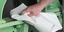 Фото Ликвидация разливов нефтепродуктов и технических жидкостей Салфетка сорбирующая