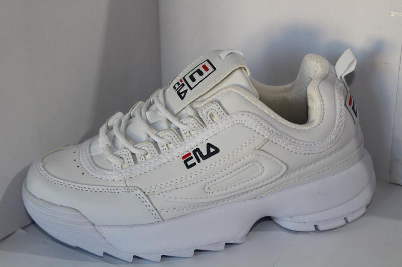 Фото Подростковые кроссовки весна-осень и кеды Подростковые осенние кроссовки FILA белого цвета cо вставками на шнуровке на шнурвке Белый, 36-41, 36-41