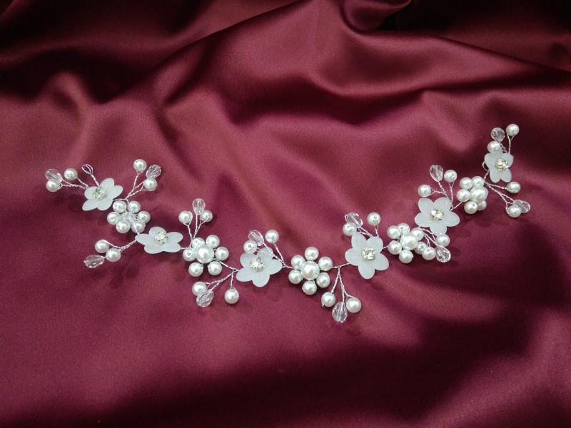 Веточка с бусинками и цветочками для свадебной и вечерней прически