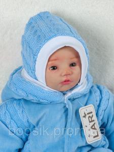 Шапочка с завязками вязаная для новорожденных голубая
