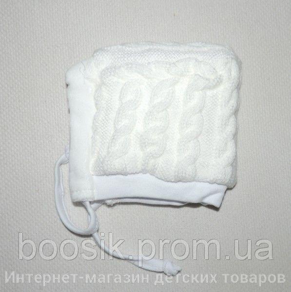 Шапочка с завязками вязаная для новорожденных белая