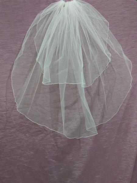 Свадебная фата короткая айвори (бежевая) с опековкой