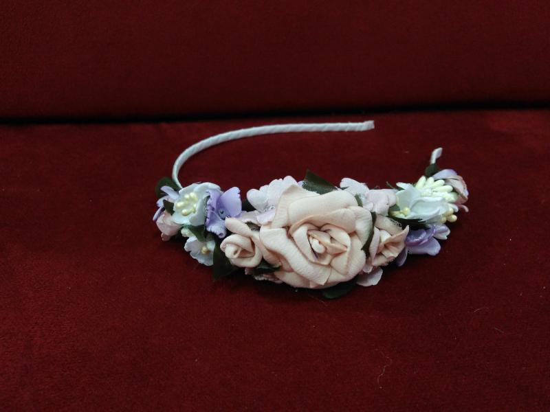 Венок цветочный (обруч, ободок) пудровый с белым и сиреневым для взрослых и детей