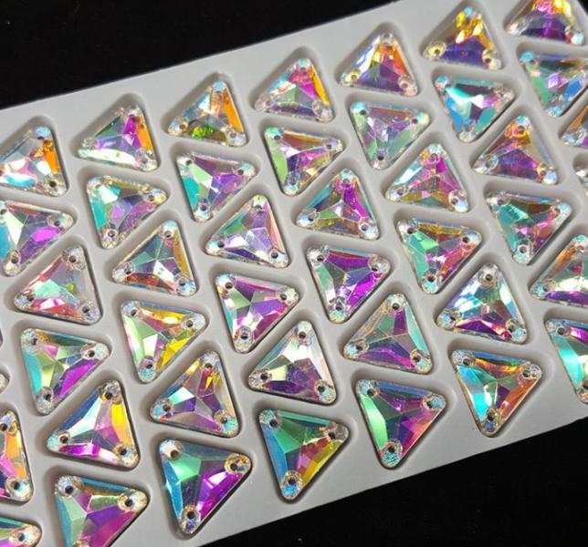 Фото Пришивные стразы Crystal Rhinesones , Треугольники Треугольники Crystal AB 12*12 мм