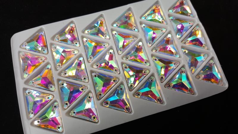 Треугольники Crystal AB 16*16 мм