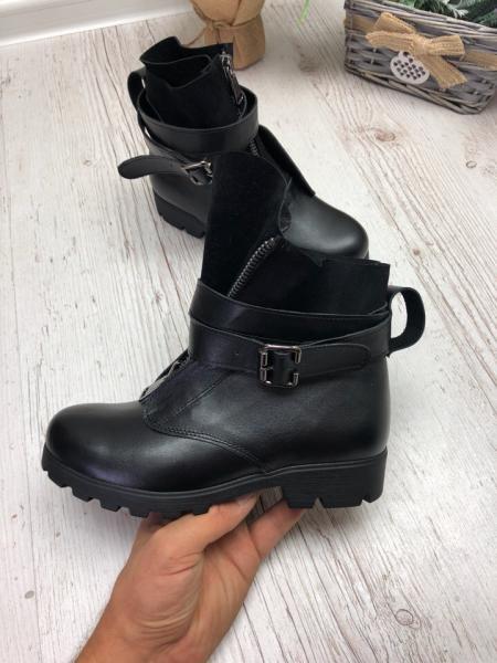 Ботинки на низком каблуке натуральные