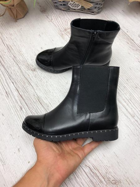 Ботинки на низком ходу,лаковый носок