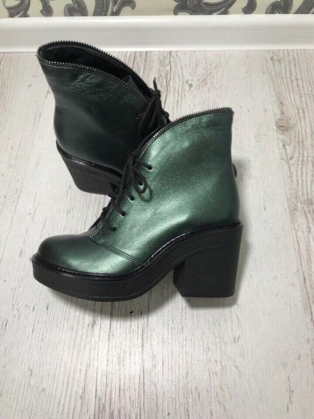 Стильные ботинки на каблуке натуральные