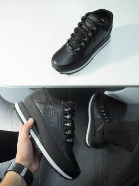 Утепленные кроссовки