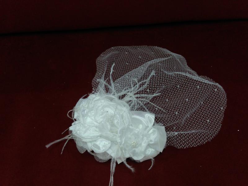 Свадебная вуалетка белая