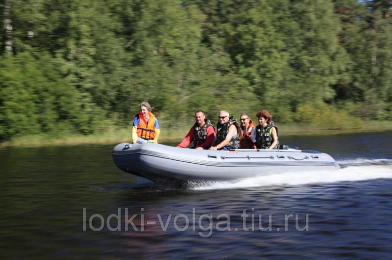 Лодка Титан 460