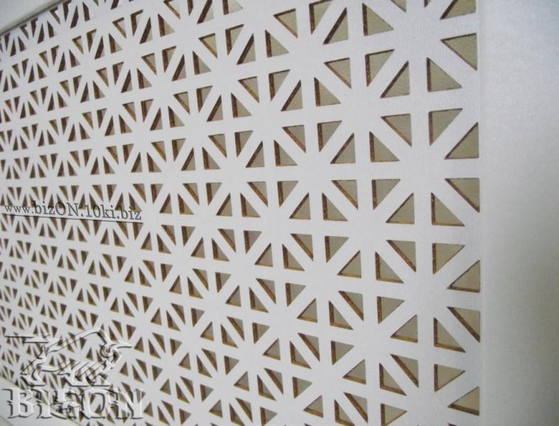 Фото Решетки ПВХ и Экраны МДФ для радиаторов отопления и декора Декоративный экран на батареи «ОНТАРИО», 900 х 600 мм, из перфорированного ХДФ (МДФ), цвет – Арктик (белый)