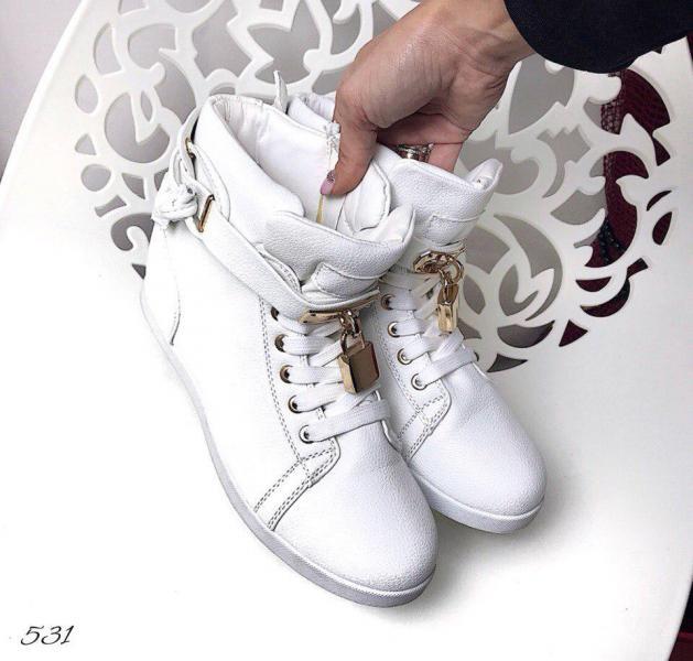 Сникерсы белые 39, 41 размер, фирменные