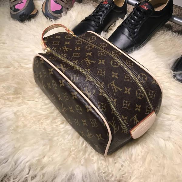 Nessesser Louis Vuitton King Size Monogram