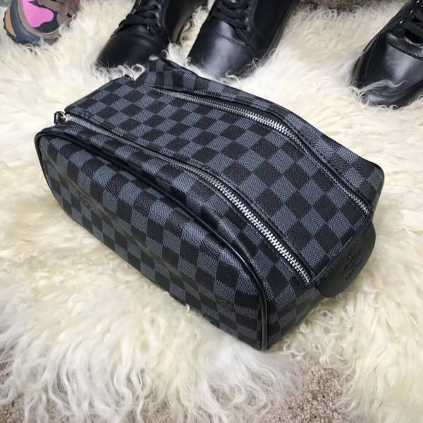 Nessesser Louis Vuitton King Size Damier Graphite