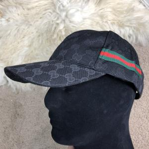 Фото  Baseball Hat Gucci Web GG Supreme Canvas Black