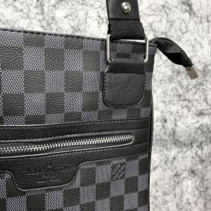 Фото Сумки Messenger Louis Vuitton District Pochette Damier Graphite