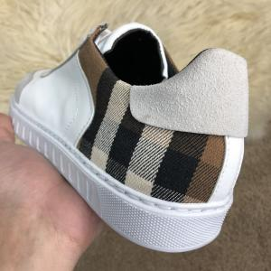 Фото  Burberry House Check Sneakers Optic White