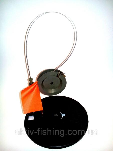 Жерлица рыболовная, оснащённая