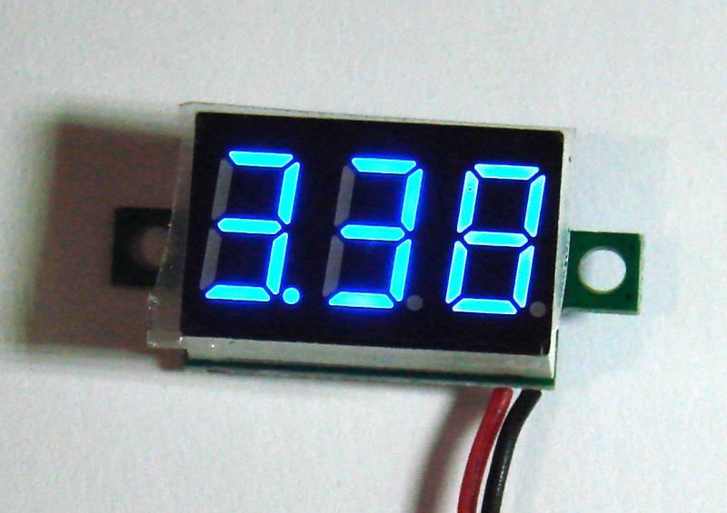 ВОЛЬТМЕТР синий DC 4.50-32.0 V переменная точка