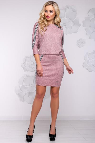Короткое женское платье цвета Персик