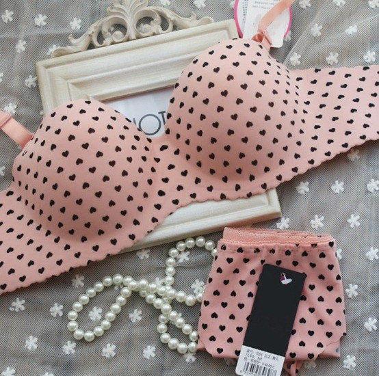 """Комплект женского нижнего белья """"Розовый с черными сердечками""""  бесшовный размер 75В, 80В"""