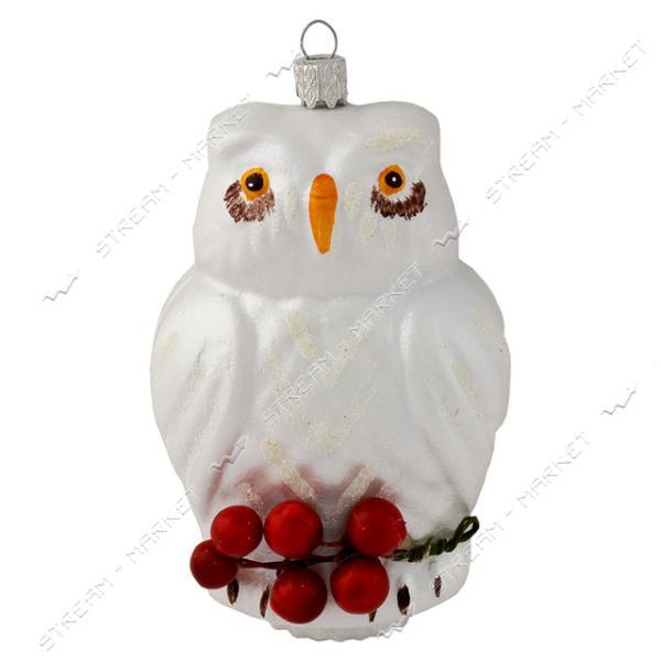 Новогодняя игрушка пластиковая на елку Сова с ягодами белая h120мм